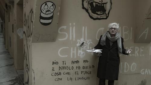 A shot from the film Comunismo futuro (Future Communism, 2017), by Andrea Gropplero and featuring Franco Berardi Bifo