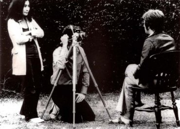 Peter Fordham. Yoko Ono y John Lenon filmando Imagine, 1970