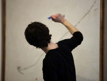 Interpretación ante Pájaro en el espacio de Joan Miró
