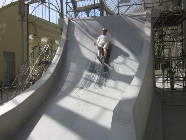 Un miembro de Conect@ realizando una de las pruebas propuestas en el Palacio de Cristal, 2011.