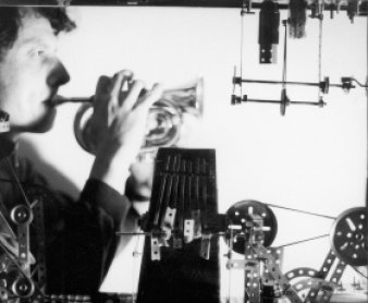 Pierre Bastien: Une danse de sons para Raymond Roussel