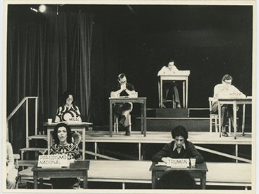 """The staging of Operativo: """"Pacem in Terris"""", 1972. An adaptation of León Ferrari's The Words of Others, directed by Pedro Asquini in the Teatro Larrañaga. The Adriana Banti archive, Buenos Aires"""