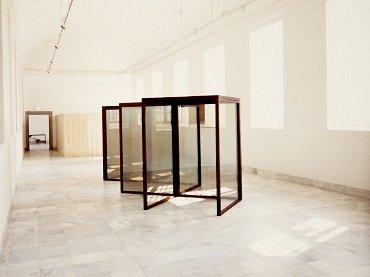 Vista de sala de la exposición. Dan Graham, 1987