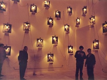 Exhibition view. Christian Boltanski. El caso, 1988. Photograph by Luis Pérez Mínguez