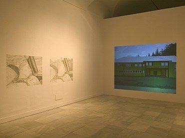 Exhibition view Vicente Blanco. Algunas veces pasa cuando estáis dormidos, 2004