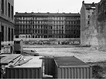 Michael Schmidt, Sin título, Berlin nach 45 [Berlín tras el 45], 1980. © Foundation for Photography and Media Art with the Michael Schmidt Archive