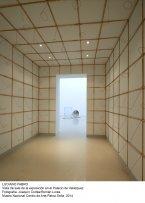 Vista de sala de la exposicion de Luciano Fabro