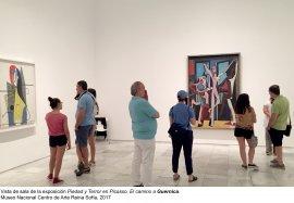 Vista de sala de Piedad y terror en Picasso: el camino a Guernica
