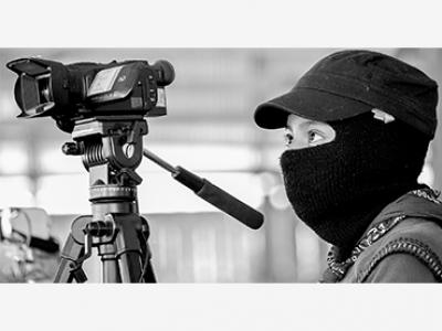 Una promotora de audiovisual de la agencia de medios zapatista Tercios Compas, 2018. © cortesía de Francisco Lion