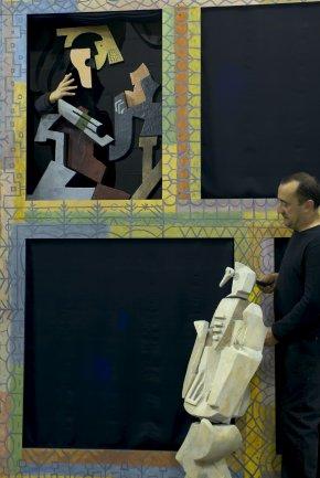 Diversos instantes de la representación teatral. Museo Reina Sofía, 2004.