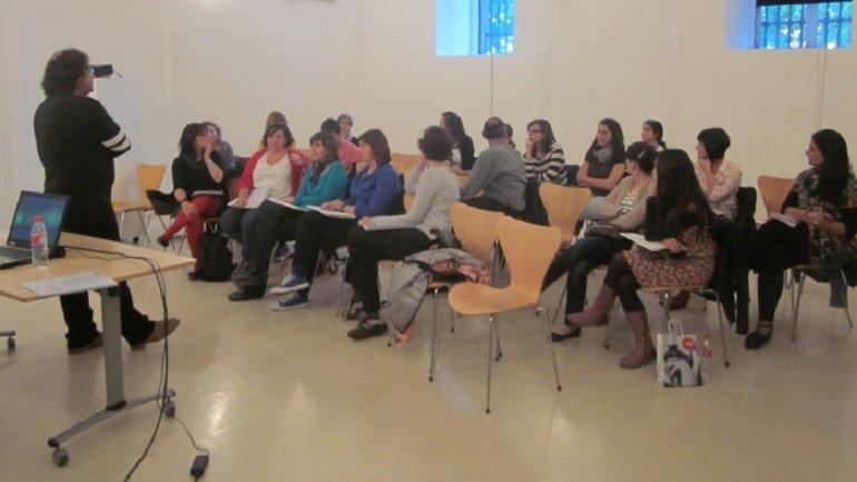 Momento de una sesión preparatoria para profesores