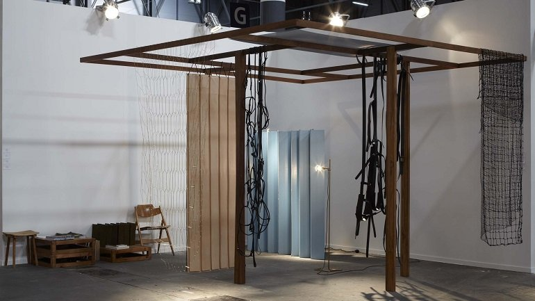 Leonor Antunes. Discrepancies with T.P.. Installation, 2012
