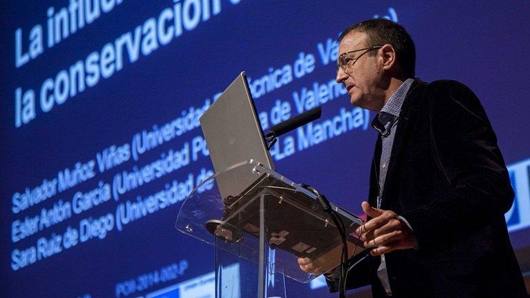 """Salvador Muñoz Viñas presenta """"Cómo no conservar el copy-art"""""""