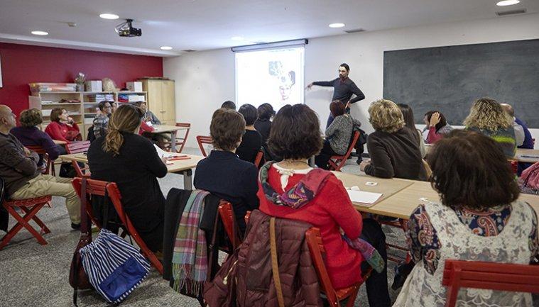 Profesores asisten a una sesión de formación.