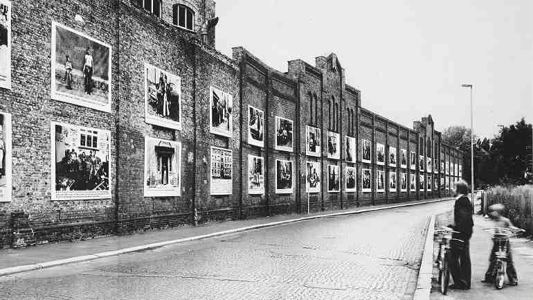 Imagen de portada del libro: Das sind eben alles Bilder der Strasse: die Fotoaktion als sozialer Eingriff: eine Dokumentation. 1979 Frankfurt am Main. Editorial: Syndikat