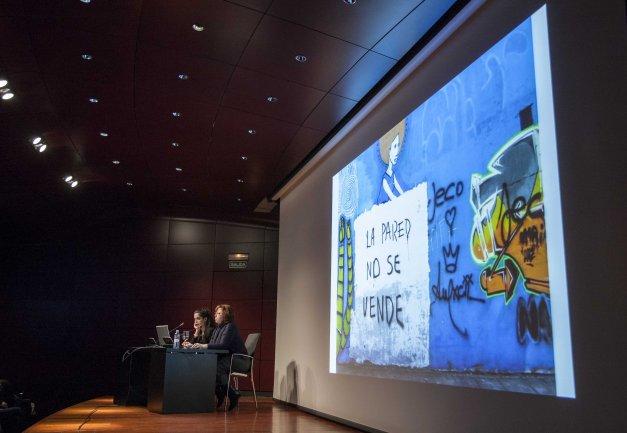 Elena García Gayo presenta los objetivos y trayectos del grupo de trabajo de arte urbano