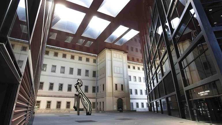 Edificio Nouvel, Patio