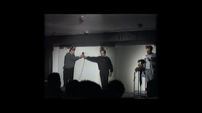 Las Pekinesas (Miguel Benlloch, Tomás Navarro and Rafael Villegas). SIDA DA. Video, 1985