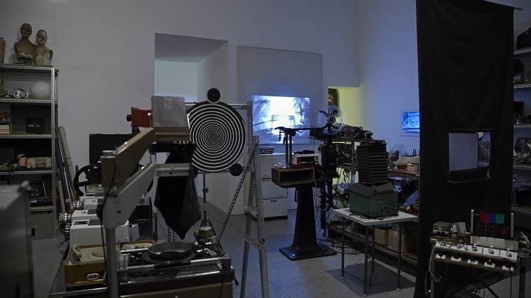 José Val del Omar, Laboratorio PLAT (1975-1982), vista parcial del montaje en las salas de la Colección en 2012. Museo Nacional Centro de Arte Reina Sofía