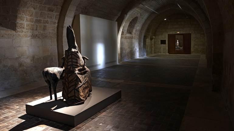 Vista de sala de la exposición. Miroslaw Balka. ctrl, 2010