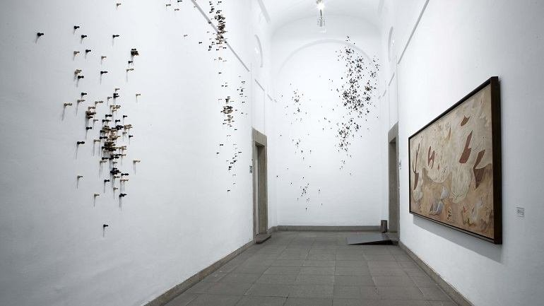 Exhibition view. José Damasceno. Coordenadas y apariciones, 2008