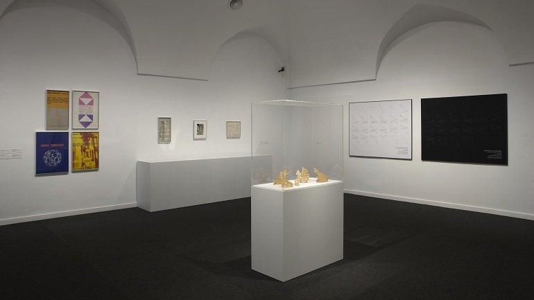 Vista de sala de la exposición. The Pamplona Encounters 1972: The End of the Party for Experimental Art, 2009