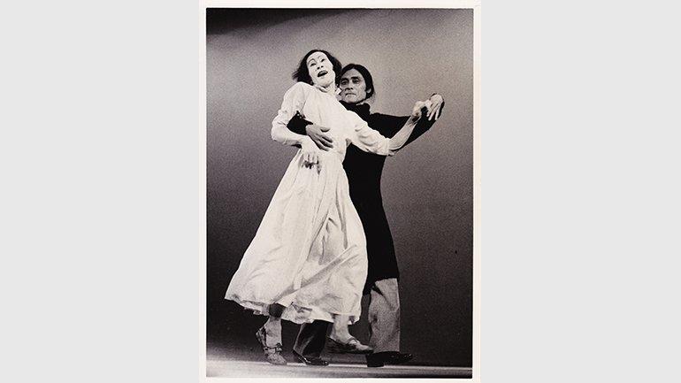 Kazuo Ohno and Tatsumi Hijikata at the premiere of La Argentina Sho, Daiichi Seimei Hall, Tokyo, November 1, 1977 © Naoya Ikegami