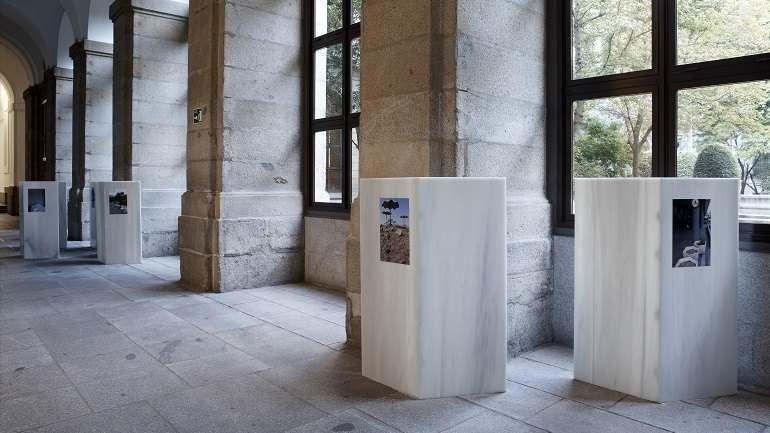 Exhibition view. Andreas Fogarasi. La ciudad de color/Vasarely Go Home, 2011
