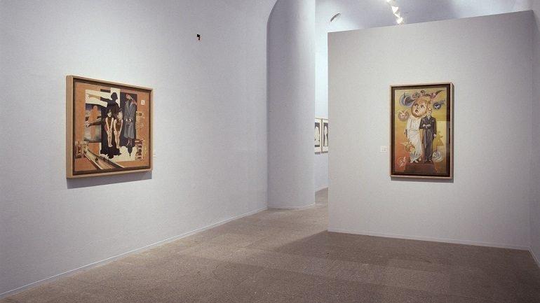Vista de sala de la exposición. Hannah Höch, 2004