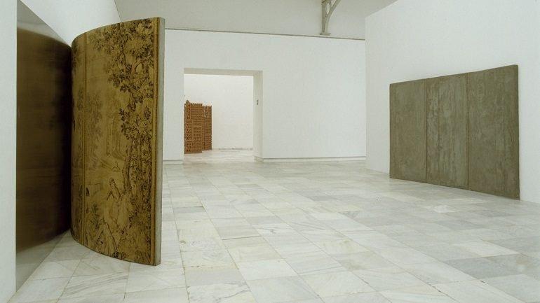 Vista de sala de la exposición. Cristina Iglesias, 1998