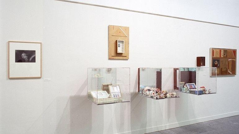 Exhibition view. Jesse A. Fernández, 2003