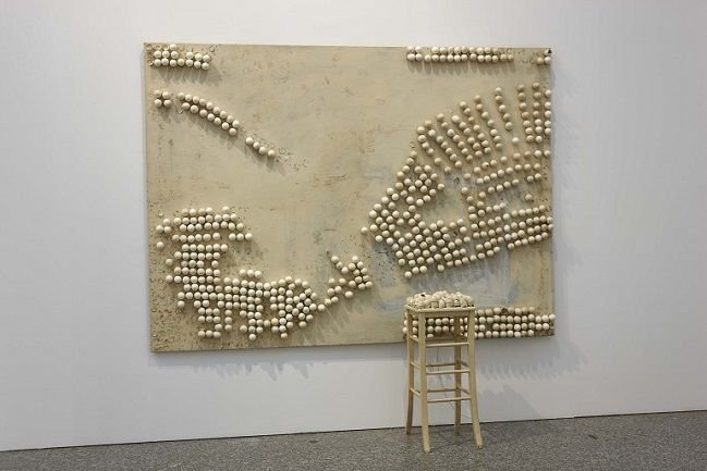 Marcel Broodthaers. Panel with Eggs and Stool, 1966. Installation. Museo Nacional Centro de Arte Reina Sofía Collection, Madrid
