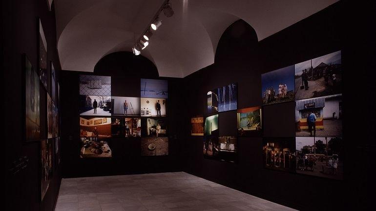 Vista de sala de la exposición. Rax Rinnekangas. Spiritus Europaeus. Tradición, 2003