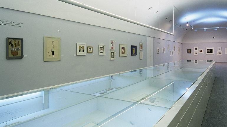 Exhibition view. Gerardo Rueda. collages, 1997