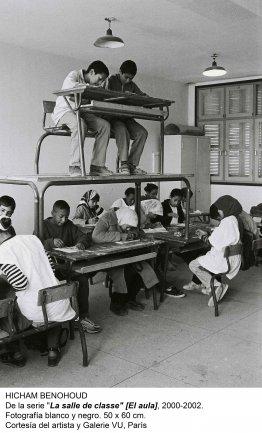 Hicham Benohoud. De la serie La salle de classe (El aula), 2000-2002. Cortesía del artista y galeria VU, París