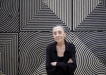 La artista Elena Asins